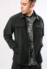 Ed Hardy - URBAN-TIGER NYLON POLY STRETCH SHACKET - Summer jacket - black - 2