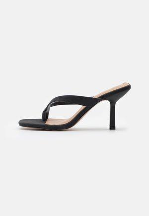 RILANNA - Pantofle na podpatku - black