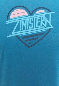 Zimtstern - HEARTZ TEE - Print T-shirt - blue steel/french navy - 5