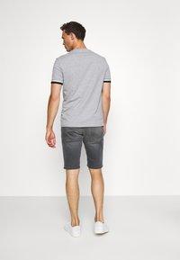 TOM TAILOR - JOSH SUPERSTRETCH - Denim shorts - grey denim - 2