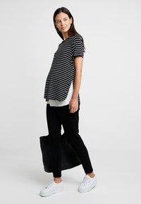 Esprit Maternity - PANTS - Jeans slim fit - black - 1