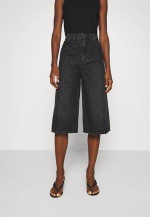 DACYGZ  - Denim shorts - dark black