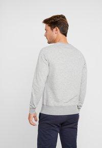 GANT - LOCK UP CREW NECK - Sweatshirt - grey melange - 2
