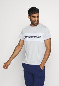 Tommy Hilfiger - COLOURBLOCK LOGO - Print T-shirt - grey - 0