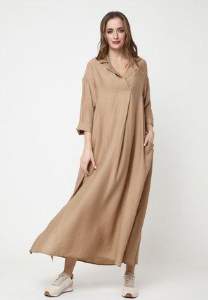 CLARISSE - Maxi dress - hellbraun
