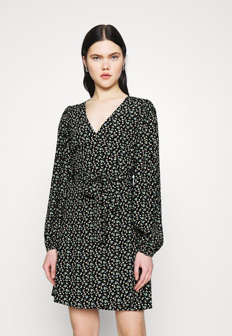 Envii - RYE DRESS - Korte jurk - flowerbed
