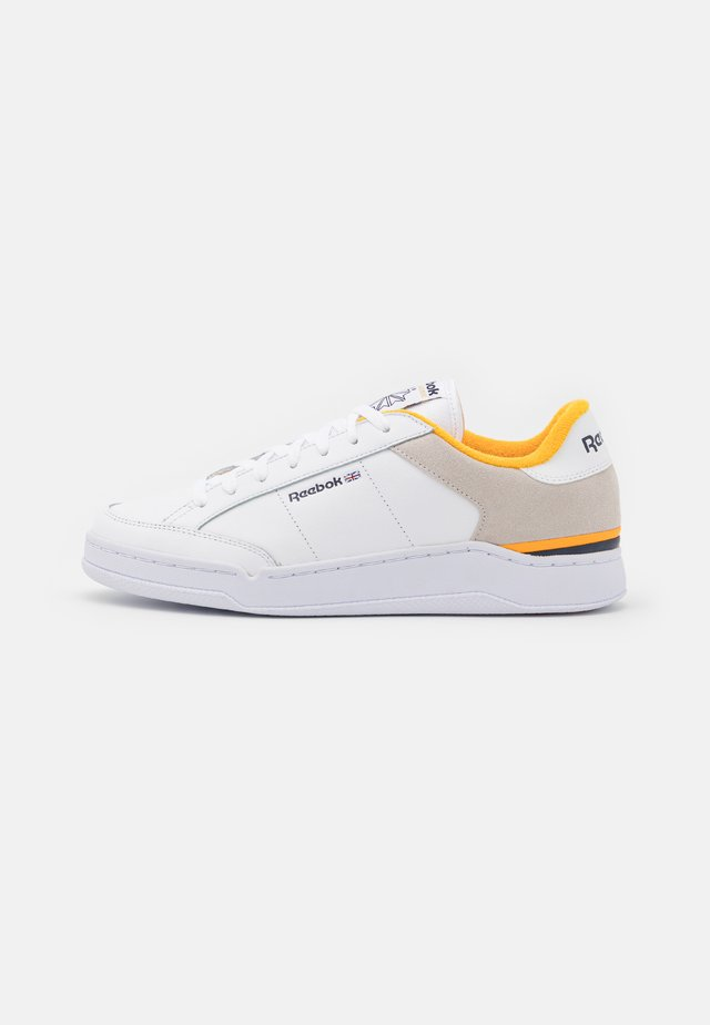 AD COURT - Trainers - footwear white/vector navy/semi solar gold