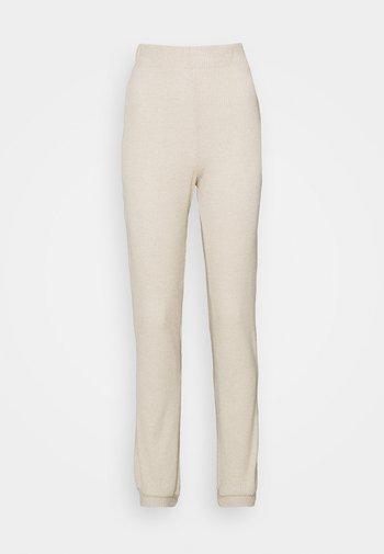 VMTIA PANT PETITE - Pantalon de survêtement - oatmeal/melange