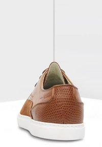 Van Lier - Casual lace-ups - cognac - 3