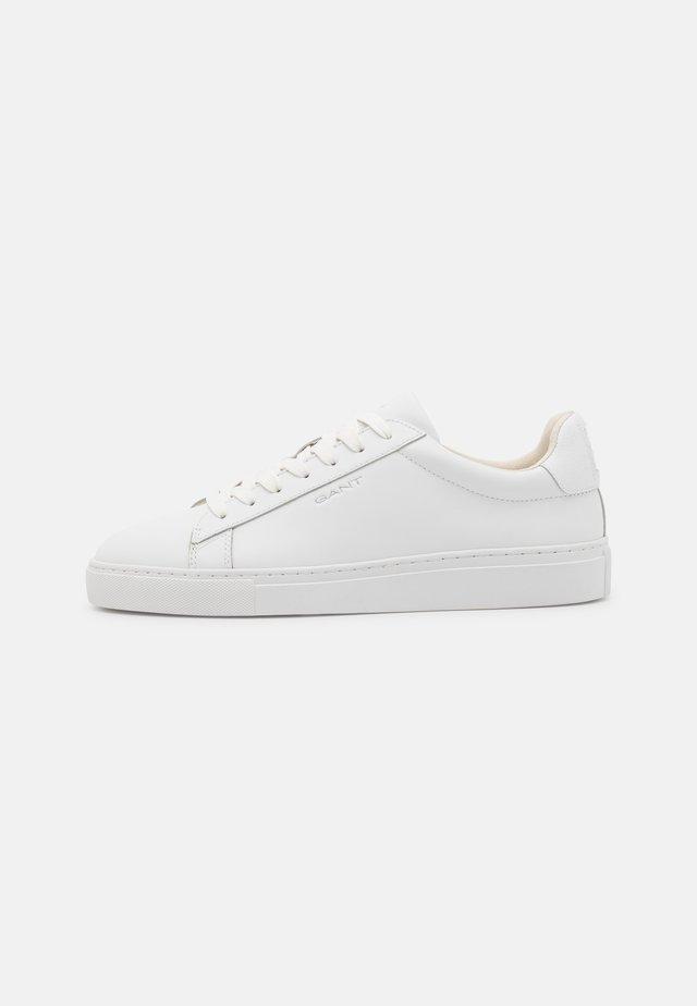 MC JULIEN - Sneakers laag - white