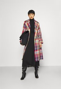 GANT - CHECKED COAT - Trenchcoat - lava red - 1