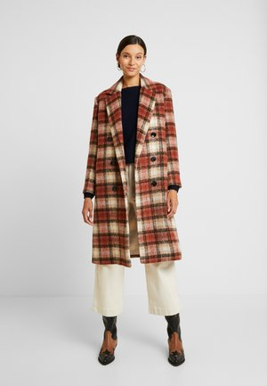 DAY KOMSU - Zimní kabát - rossetto