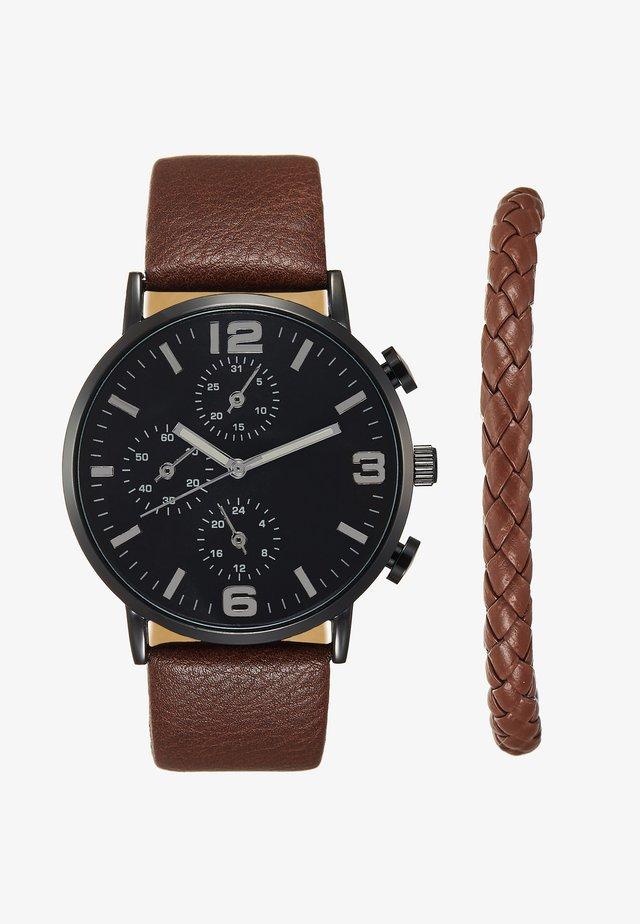 SET - Horloge - cognac