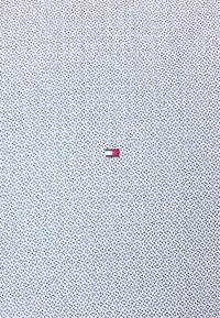 Tommy Hilfiger Tailored - GEO SLIM FIT - Formal shirt - navy/ white - 2