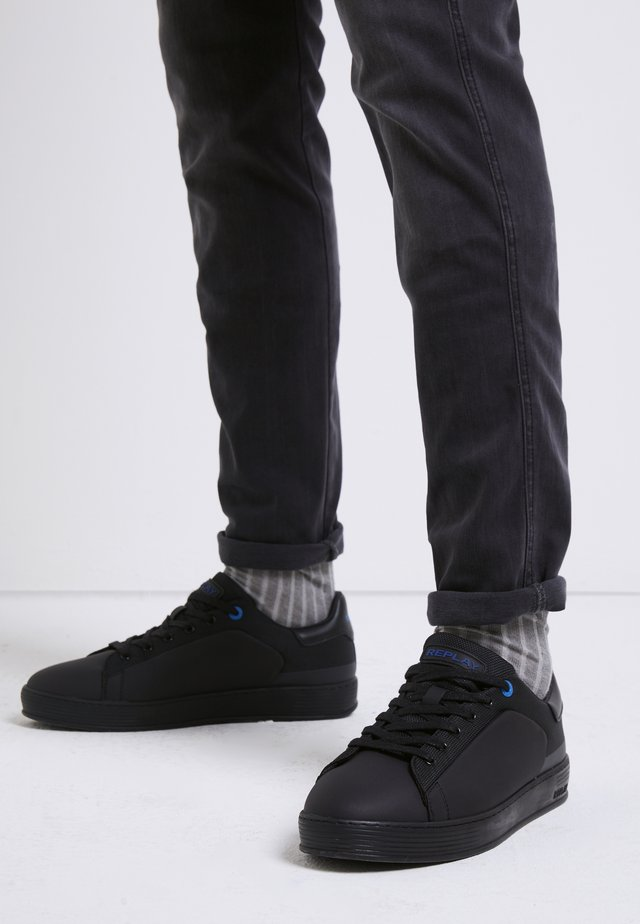 WILLIAMSON - Sneakers laag - black royal