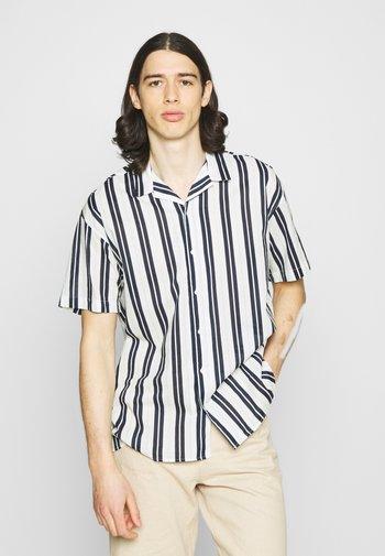 JJGREG STRIPE SHIRT - Shirt - white