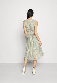 ONLY - ONLELEMA DRESS BOX - Vestido de cóctel - desert sage - 2