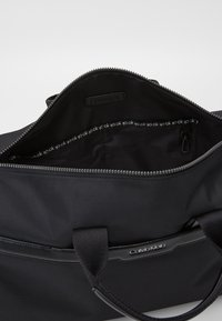 Calvin Klein - GYM DUFFLE - Sac week-end - black - 2