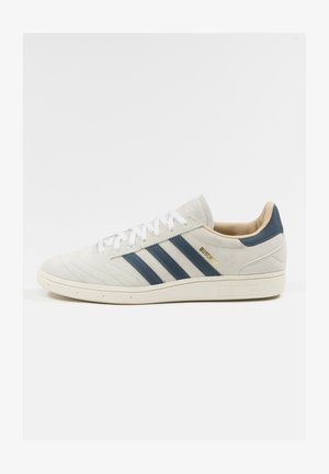 Trainers - crystal white / legacy blue / cloud white