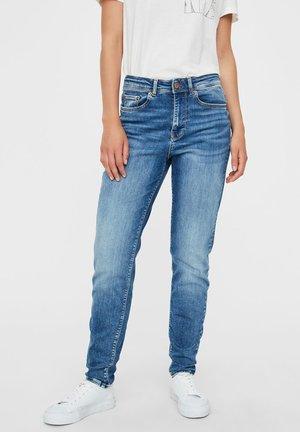 VMCLARA  - Slim fit jeans - medium blue denim