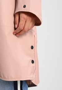 Ilse Jacobsen - TRUE RAINCOAT - Parka - adobe rose - 4