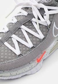 Nike Performance - LEBRON XVII LOW - Basketball shoes - particle grey/white/light smoke grey/black/multicolor - 5