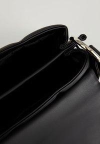 DeFacto - Across body bag - black - 3