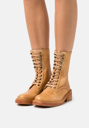 SANTA FE LACE UP BOOT - Lace-up ankle boots - light honey