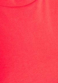 Marks & Spencer London - CREW - Camiseta básica - coral - 2