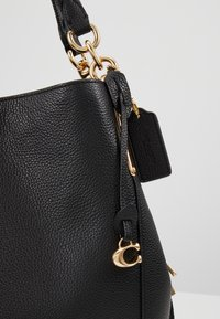 Coach - DALTON SHOULDER BAG - Håndveske - black - 6