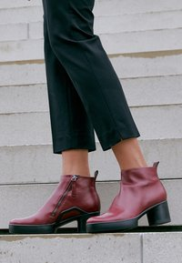 ECCO - SHAPE SCULPTED MOTION  - Ankle boot - red - 4