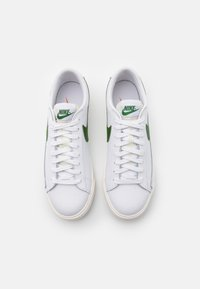Nike Sportswear - BLAZER - Matalavartiset tennarit - white/forest green/sail - 3