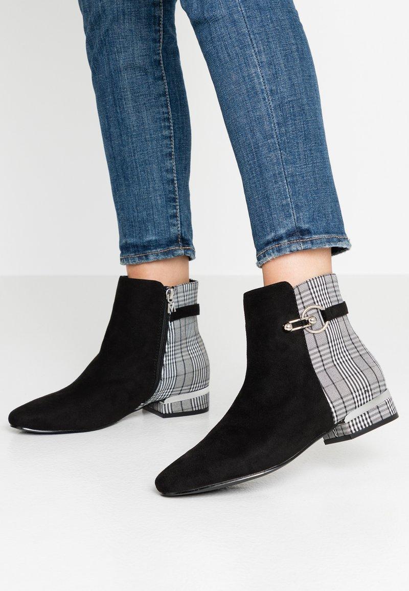 Mariamare - VILMA - Kotníkové boty - black