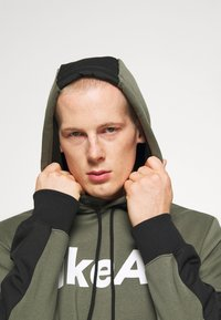 Nike Sportswear - AIR HOODIE - Mikina s kapucí - twilight marsh/black/white - 3