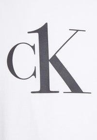Calvin Klein Swimwear - RELAXED CREW TEE - Pyjama top - white - 2