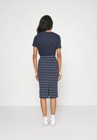 Tommy Jeans - LONG BODYCON STRIPES SKIRT - Pencil skirt - twilight navy - 2