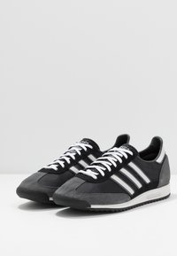 adidas Originals - Sneakers - core black/grey one/grey six - 2