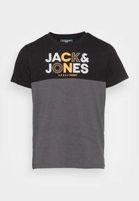 JCOSTEVE TEE CREW NECK - Print T-shirt - black