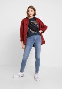 Topshop - JAMIE - Jeans Skinny Fit - bleach - 1