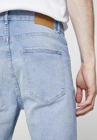 PULL&BEAR - Slim fit jeans - light blue - 3
