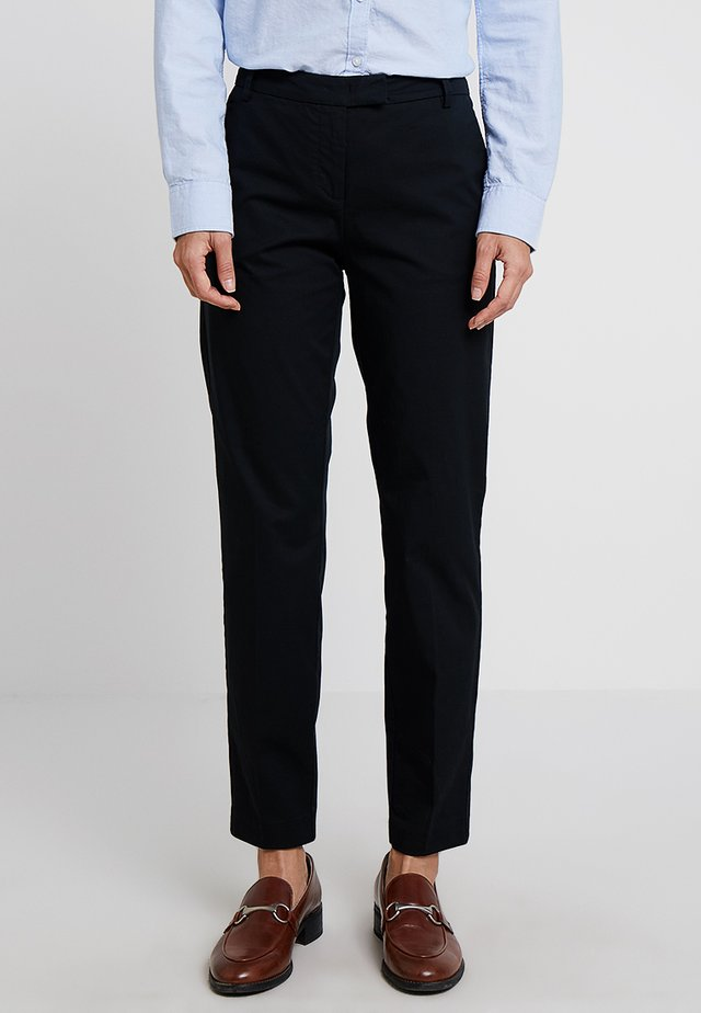 PANTS REGULAR RISE BUT COMFY - Pantalon classique - black