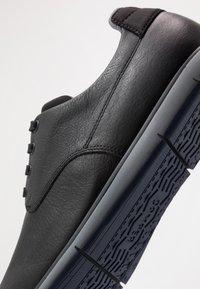 Camper - SMITH - Zapatos con cordones - black - 5