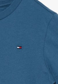 Tommy Hilfiger - ESSENTIAL ORIGINAL TEE - Basic T-shirt - blue - 3