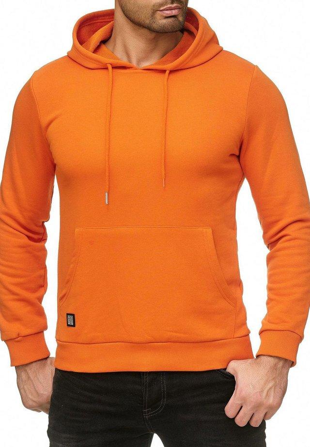 MIT PRAKTISCHER KÄNGURU-TASCHE - Hoodie - orange