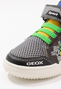 Geox - GRAYJAY BOY - Sneakersy wysokie - black/green - 5