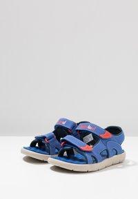Timberland - PERKINS ROW 2-STRAP - Walking sandals - bright blue - 2