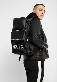 HXTN Supply - UTILITY BLOC - Rucksack - black - 1