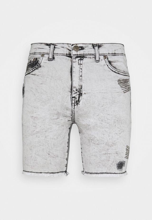 HUGO  - Szorty jeansowe - white