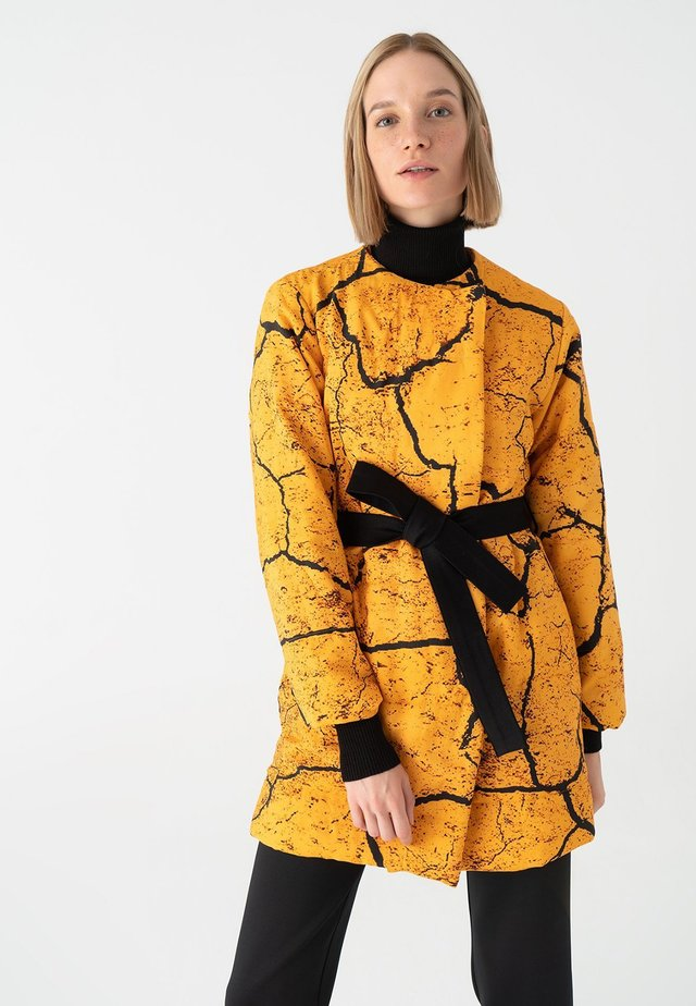 Giacca invernale - mustard yellow