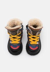 Dsquared2 - Šněrovací kotníkové boty - black/blue - 3